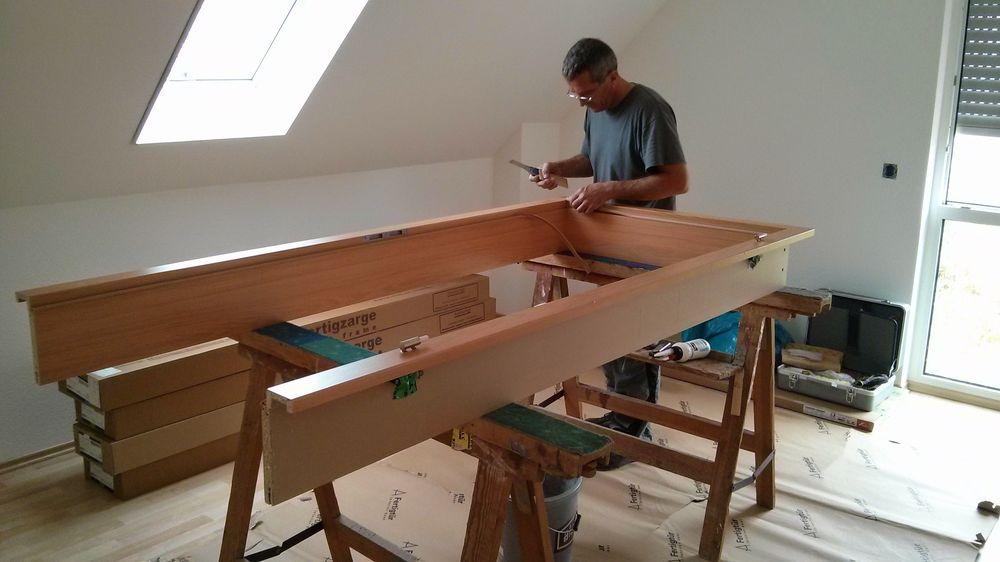 endspurt im haus einbau der t ren projekt fertighaus. Black Bedroom Furniture Sets. Home Design Ideas