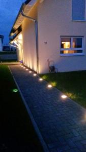 Wegbeleuchtung mit LED-Pflastersteinen